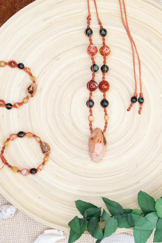 biżuteria z kamieni naturalnych naszyjnik i bransoletki