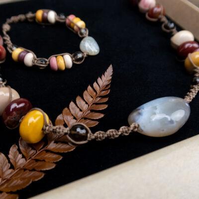 biżuteria kolory natury komplet w ozdobnym pudełku prezentowym