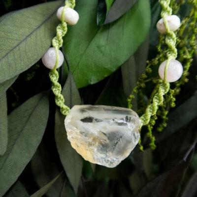 naszyjnik z surowym cytrynem