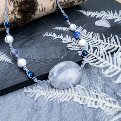 zimowy naszyjnik kamienie naturalne
