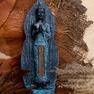 Stojący Buddha rzeźba