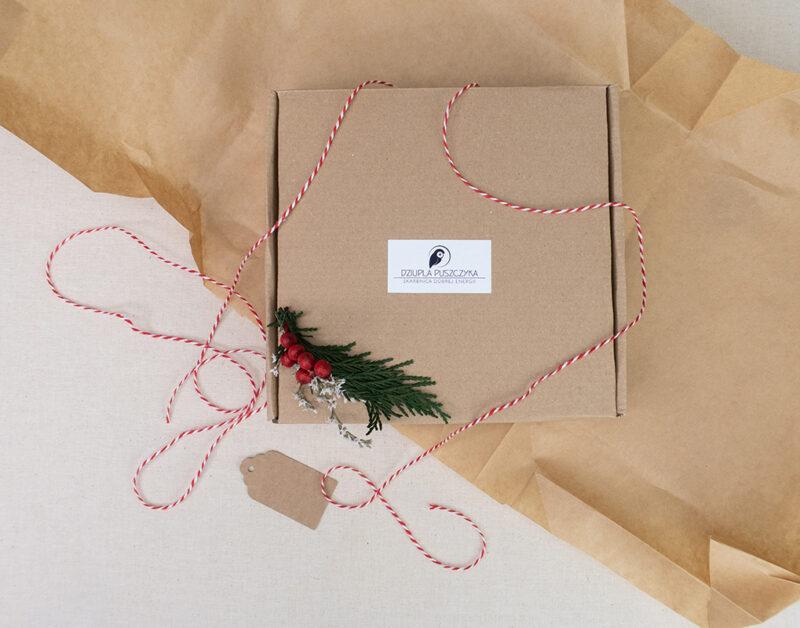ekologiczne-świąteczne-opakowanie-prezentowe
