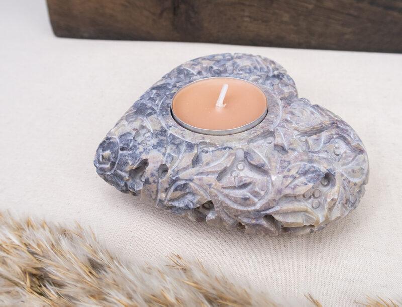 kamienny-świecznik-rzeźbione-serce