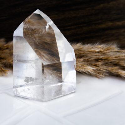 Kryształ górski fantomowy szlifowany duży