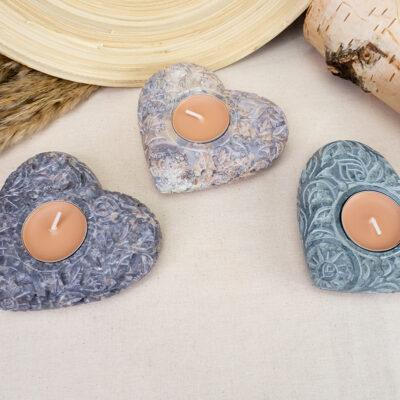 Rzeźbiona kamienna podstawka pod kadzidła i świece serce