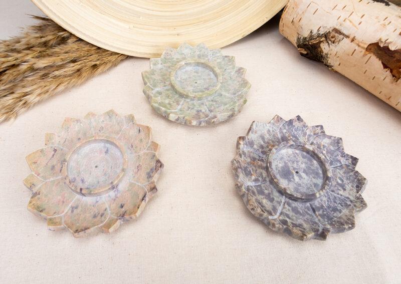 kamienne-podstawki-pod-kadzidło-kwiat-lotosu