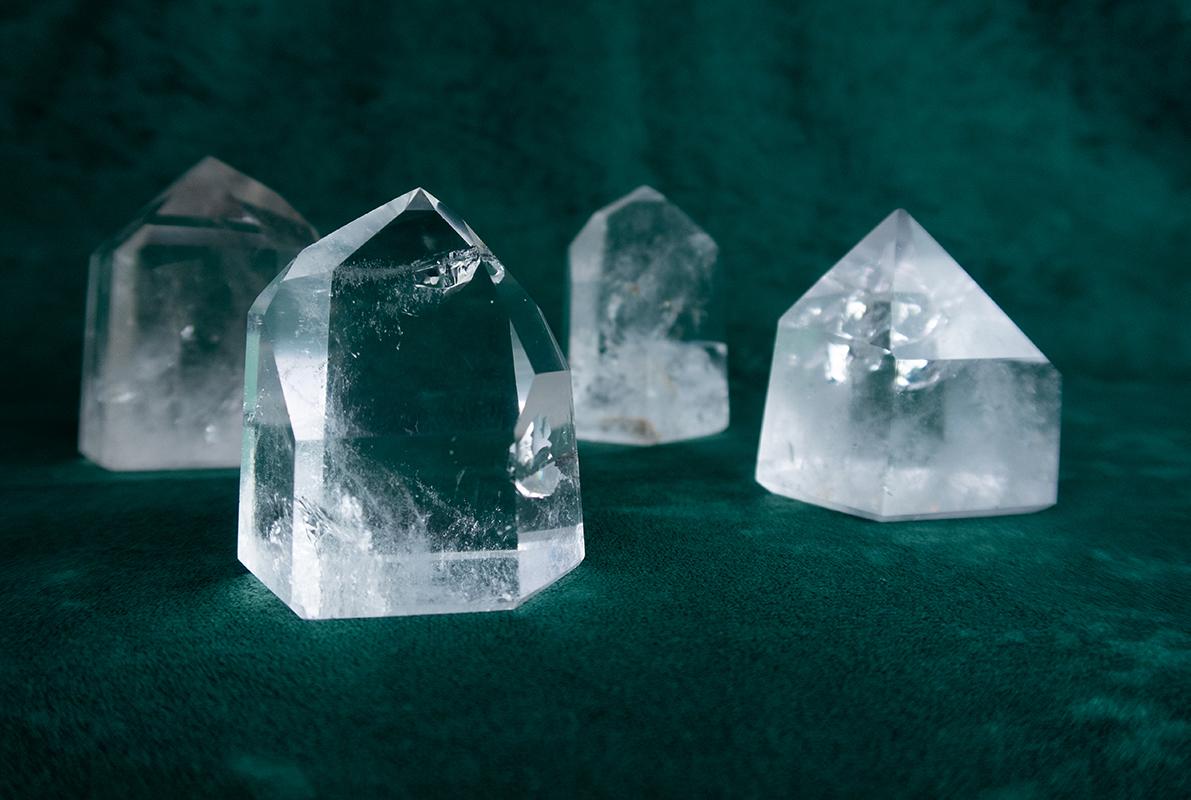 kryształy-górskie-szlifowane-obeliski