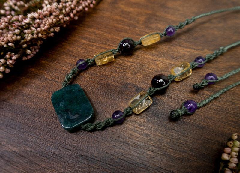 naturalne kamienie naszyjnik amulet