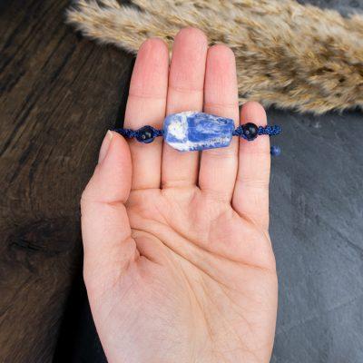 bransoletka-z-sodalitem-amulet