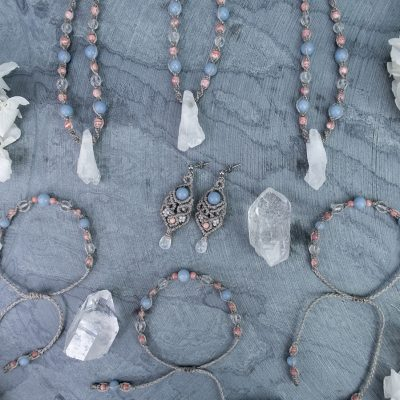 amulety-ukojenie-pastelowa-biżuteria-kamienie-naturalne